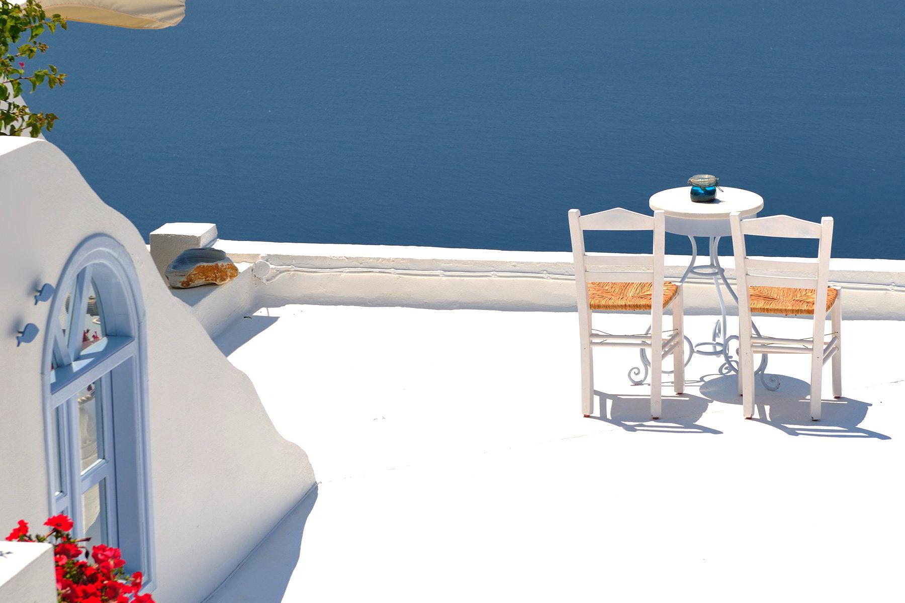 Как оформить балкон в морском стиле