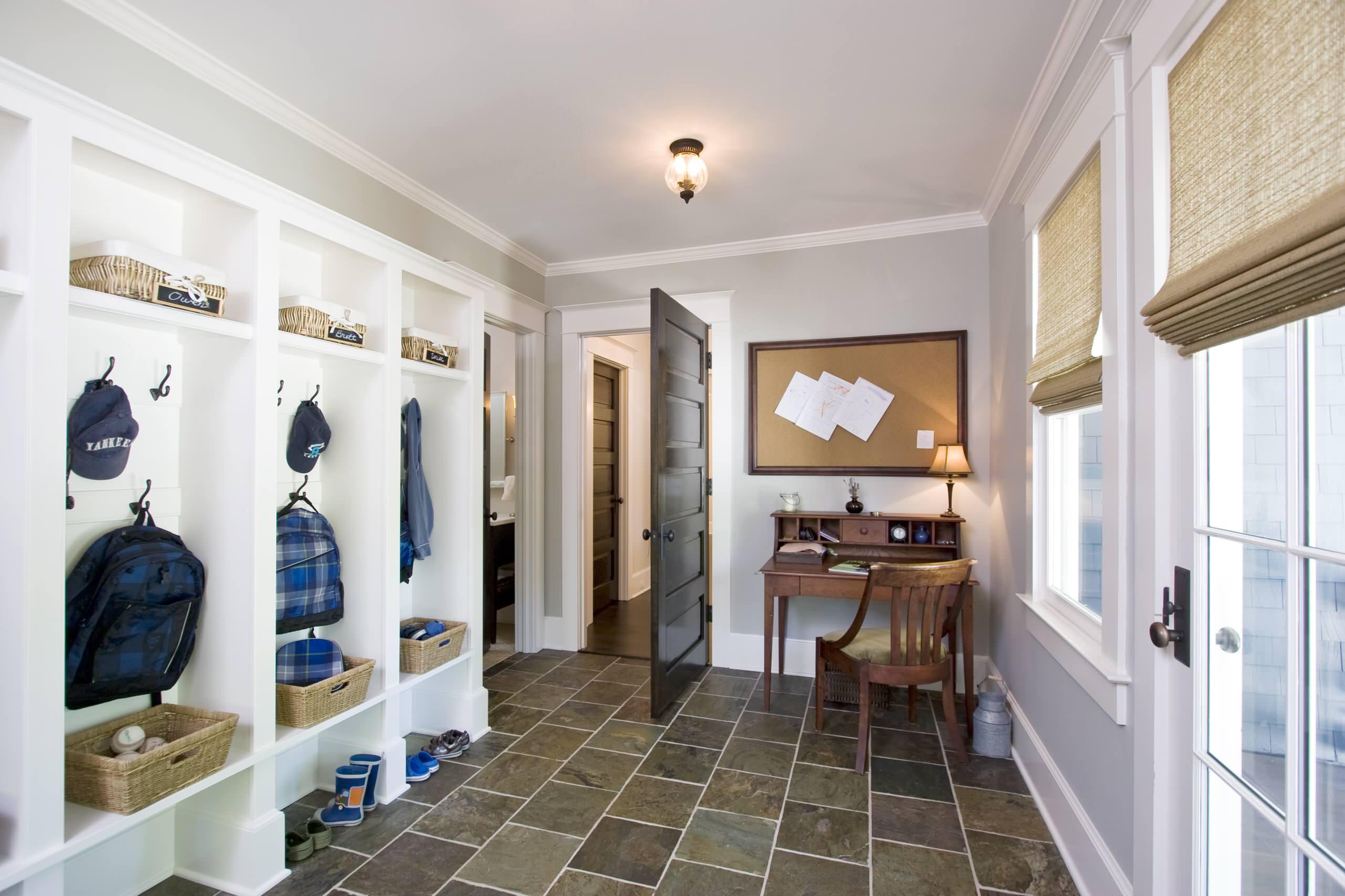 7 идей для хранения вещей в коридоре