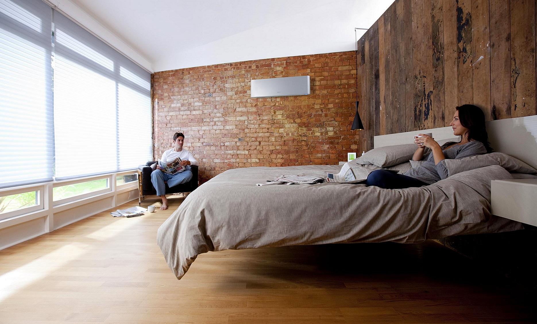 Где лучше установить кондиционер в спальне?