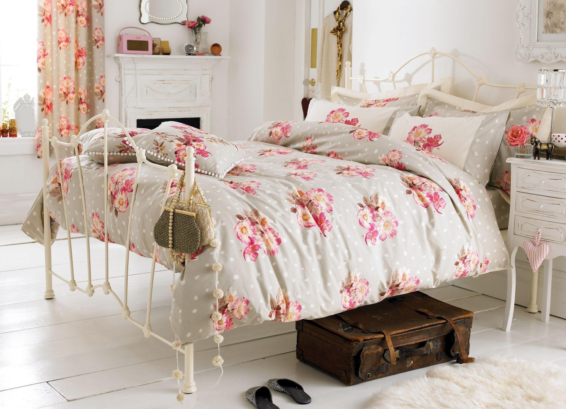 Как декорировать кровать своими руками
